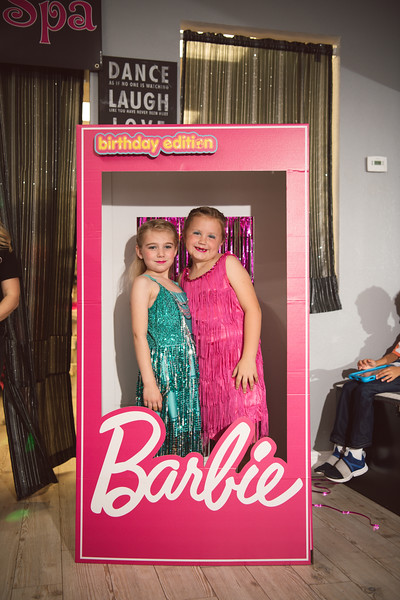 2020-0104-delaney-barbie-party-40.jpg