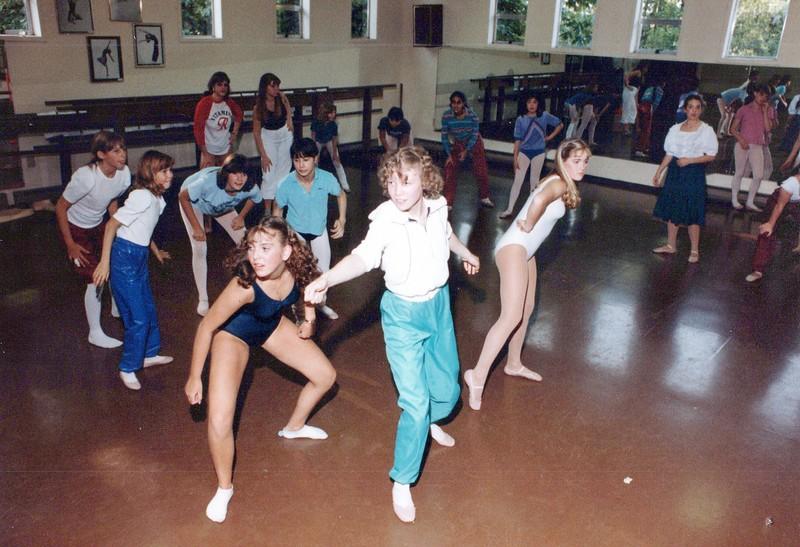 Dance_2710_a.jpg