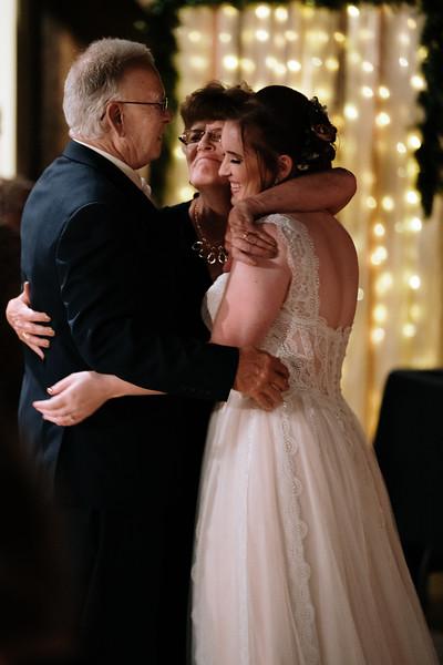 rustic_ohio__fall_barn_wedding-402.jpg
