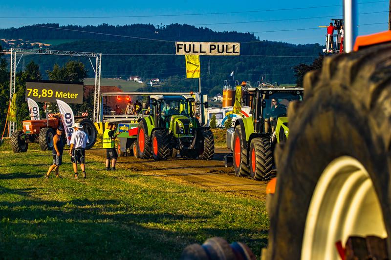 Tractor Pulling 2015-01632.jpg