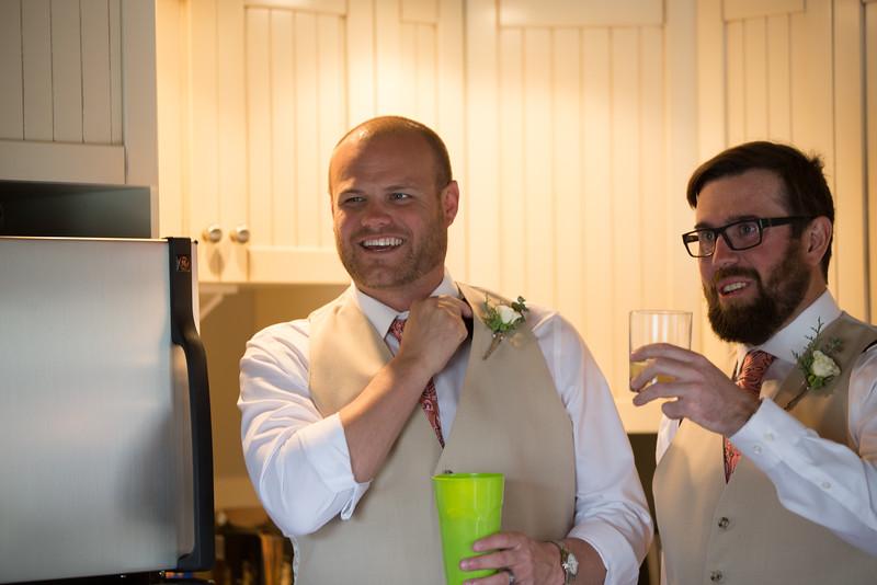 G&D Wedding Getting Ready-100.jpg
