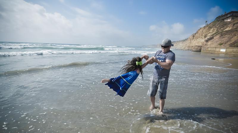 beach family (31 of 18).jpg