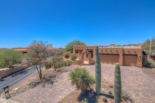 For Sale 5472 W. Kara Nicole Court, Tucson, AZ 85742