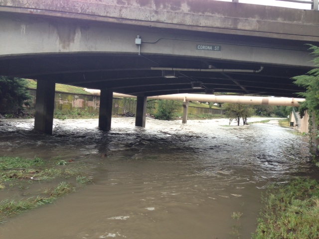 . Cherry Creek bike path flooded at the Corona Street overpass. Photo by Erika Simms
