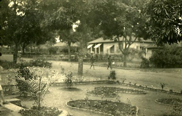 rua e jardins do  Dundo