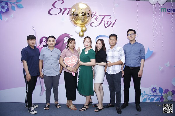 MCredit HCMC Office | Vietnam Women's Day 20/10 instant print photo booth in Ho Chi Minh City | Chụp ảnh in hình lấy ngay Phụ nữ Việt Nam 20/10 | Photobooth Saigon
