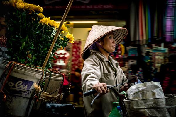 Hanoi Old Quarter street sellers