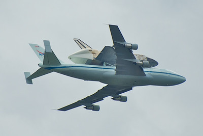 Shuttle Discovery Retires to DC