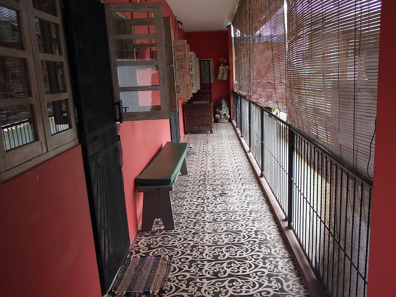 P3140821-room-entrance.JPG