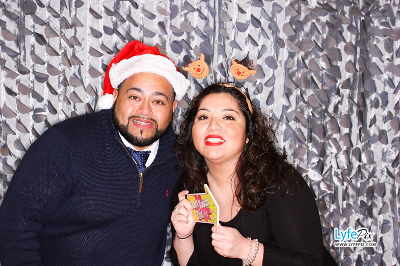 red-hawk-2017-holiday-party-beltsville-maryland-sheraton-photo-booth-0123.jpg