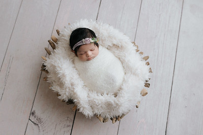 Sana (Newborn)