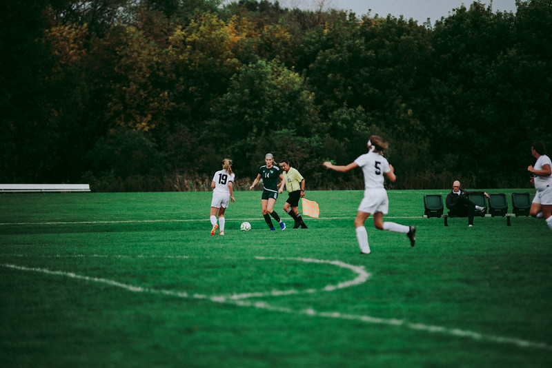 Holy Family Girls Varsity Soccer vs. Glencoe-Silver Lake, 9/24/19: Maeve Kelly '22 (14)