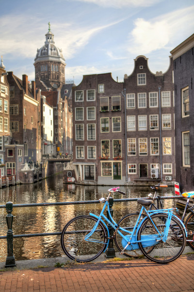 blue-bicycle-amsterdam-canal.jpg