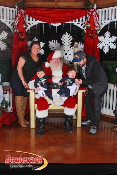 Santa 12-17-16-411.jpg
