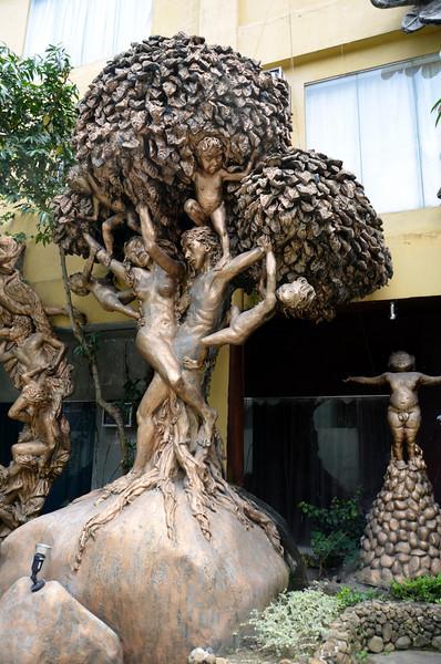 DSC_7637-people-tree.JPG