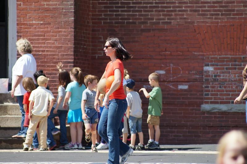 6-8-2012 Field Day at Walnut Square 51.JPG