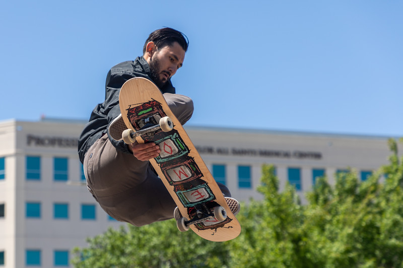 Auto-focus grabbed the skateboard.