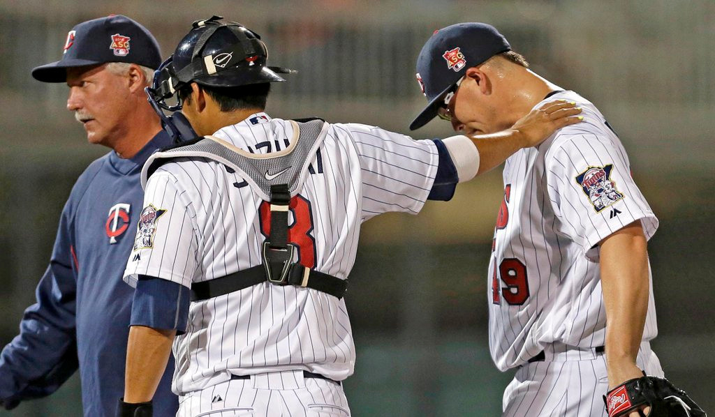 """. <p>10. (tie) VANCE WORLEY <p>Twins need pitchers. Not this belly itcher. (unranked) <p><b><a href=\'http://www.twincities.com/sports/ci_25392393/twins-place-struggling-pitcher-vance-worley-waivers\' target=\""""_blank\""""> HUH?</a></b> <p>    (AP Photo/Gerald Herbert)"""