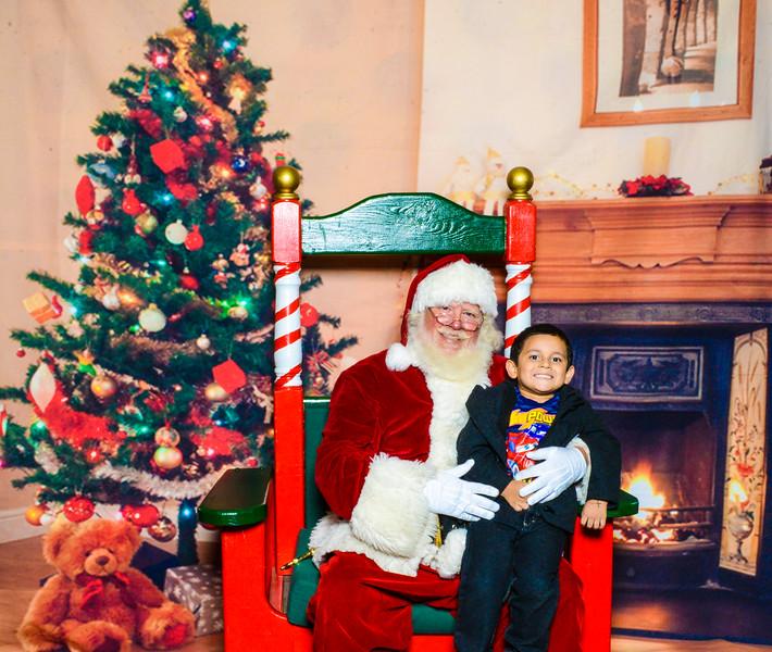 Santa Elmore 2016-12172.jpg