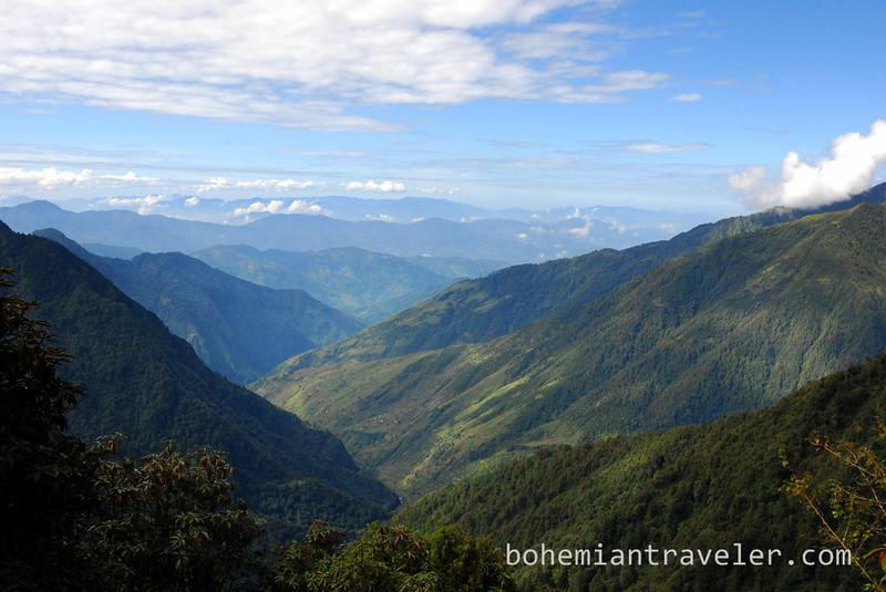 View along the Gosainkunda Trek.jpg