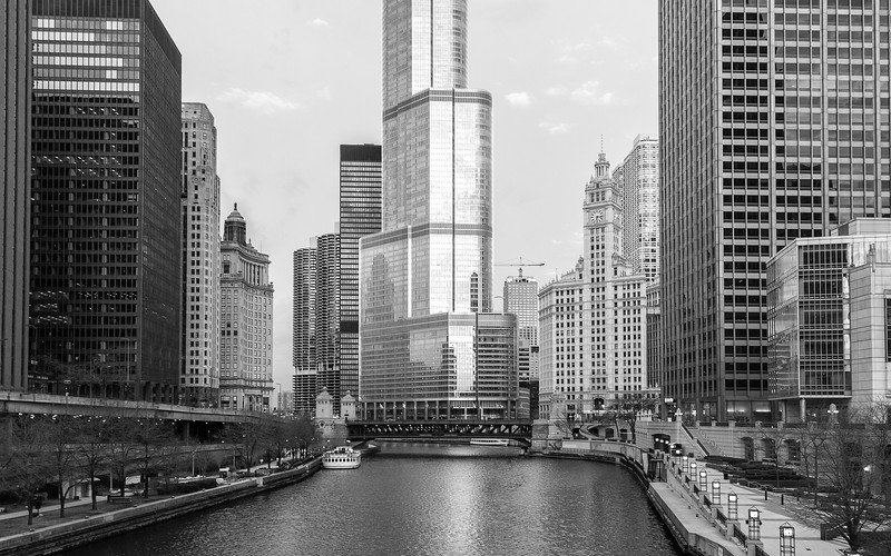 Chicago River Skyline bw-.jpg