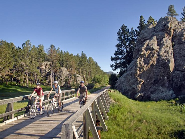South Dakota: Trail bridge