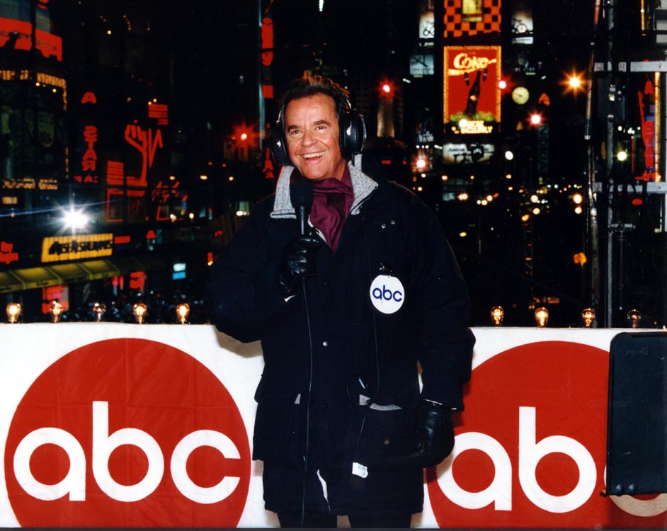 Description of . NYRE 1980\'s Dick Clark in Times Square