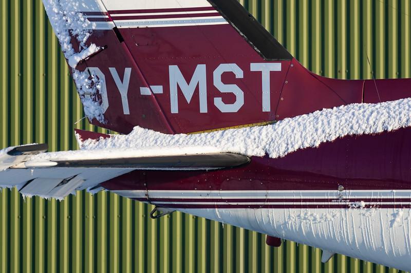 OY-MST-PiperPA-31-310NavajoB-Private-EKVD-2005-12-18-GJ7I5536-DanishAviationPhoto.jpg