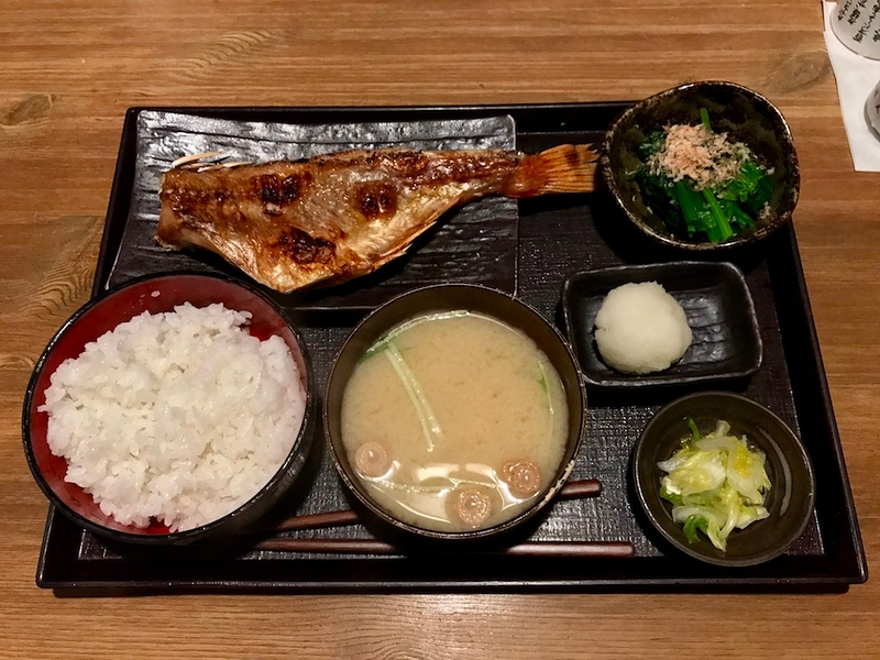 The grilled rockfish set lunch at Echigoya Sandayu.