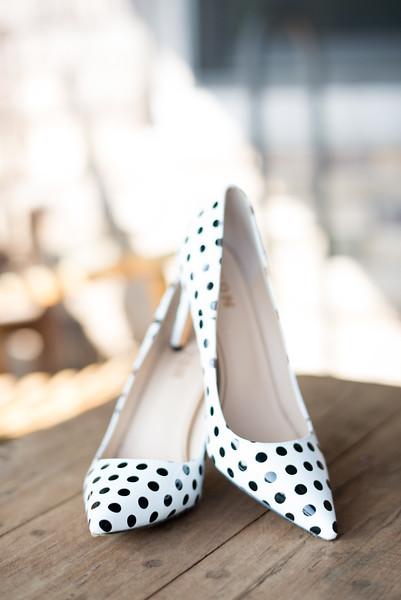 wedding-bride-shoes (20 of 23).jpg