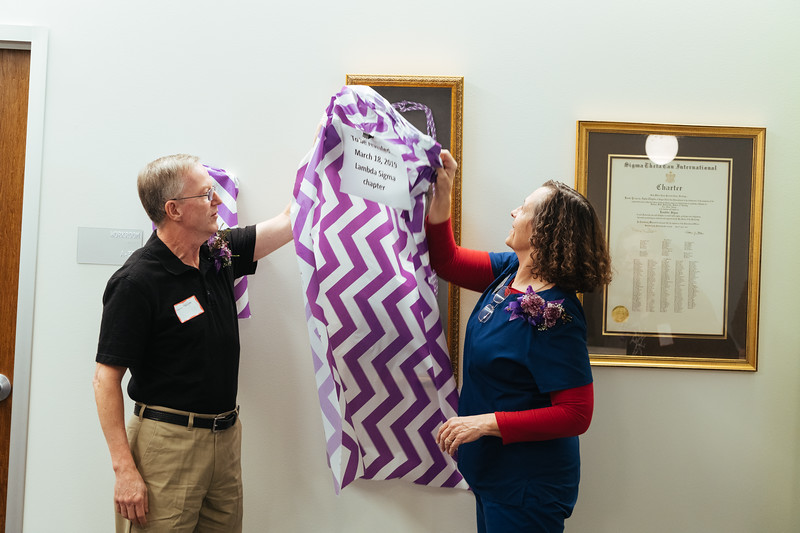 20190318_Sigma Theta Tau Hanging of the Charter-1387.jpg