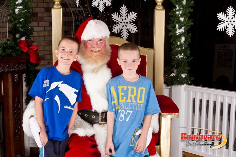 Santa Dec 8-288.jpg