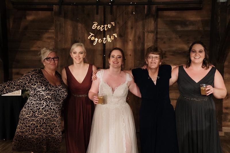 rustic_ohio__fall_barn_wedding-449.jpg