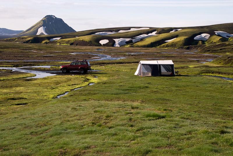 Tjaldstæðið við Strútsskála er með flottu útsýni á Mælifell