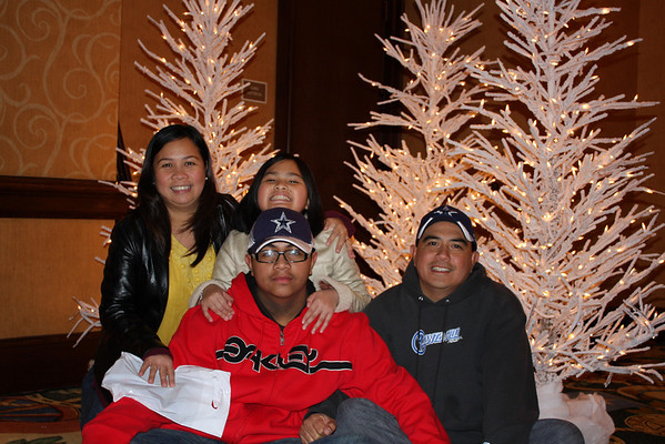 Verna and Family at ICE show in Gaylord Texan