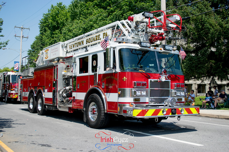 newtown-square-fire-company----ladder-41_35500448620_o.jpg