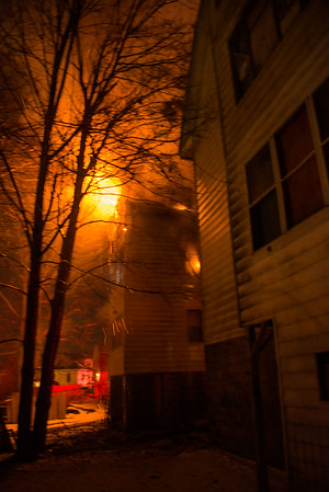 2 Alarm Structure Fire - Plaza Ave, Waterbury, CT - 3/18/17