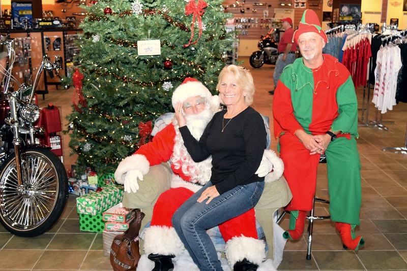 2014 Santa Visits J&P Cycles Florida Superstore (73).JPG
