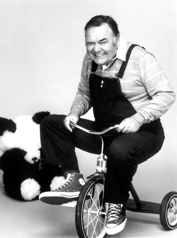 """. Jonathan Winters in \""""Mork & Mindy.\""""   Daily News file photo"""