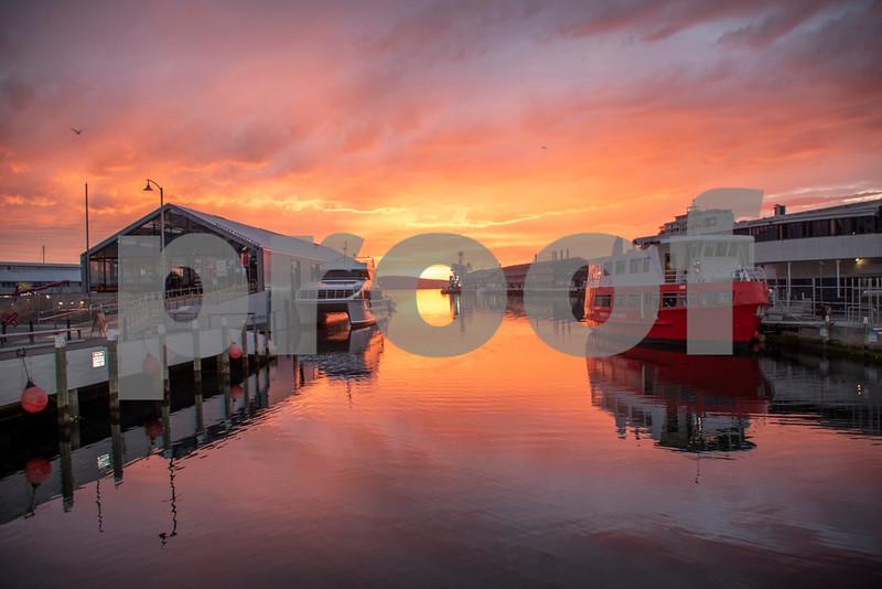 Hobart sunrise 5.JPG
