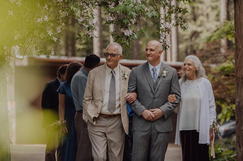 2018-05-12_ROEDER_JulieSeth_Wedding_DUSTIN1_0037.jpg