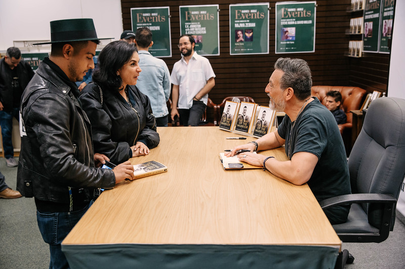 2019_2_28_TWOTW_BookSigning_SP_655.jpg