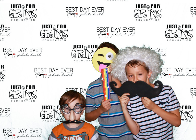 BDE2016-JustForGrinsFoundation-2016-PaulMitchellSchool-1059.jpg