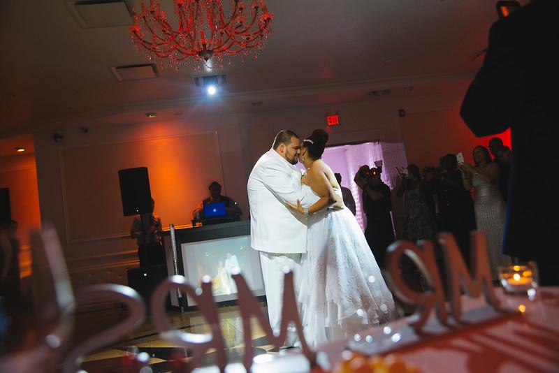 MER__0899_tonya_josh_new jerrsey wedding photography.jpg