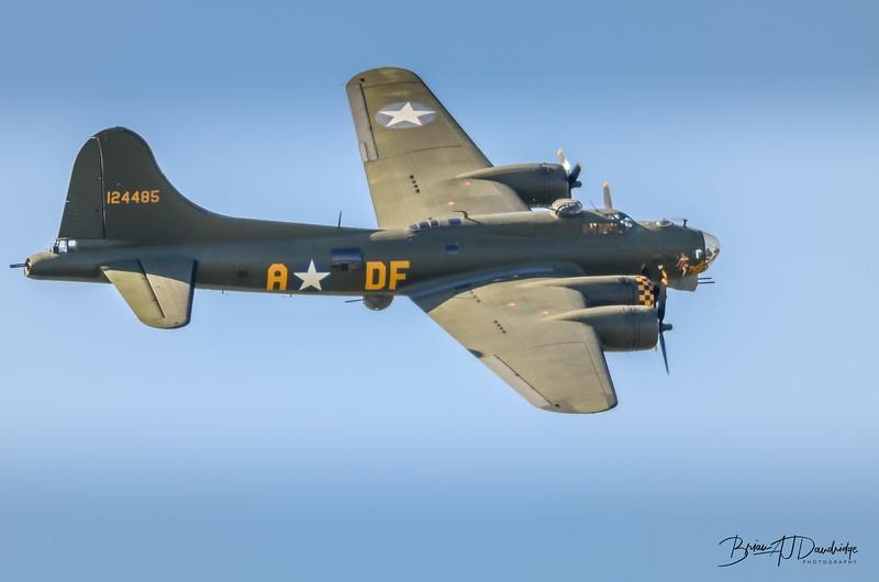 B-17 Flying Fortress G-BEDF Sally B