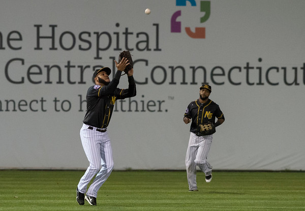 09/06/19 Wesley Bunnell | StaffrrThe New Britain Bees vs the Lancaster Barnstormers on Friday night at New Britain Stadium. Darren Ford (15) with the catch in left field.