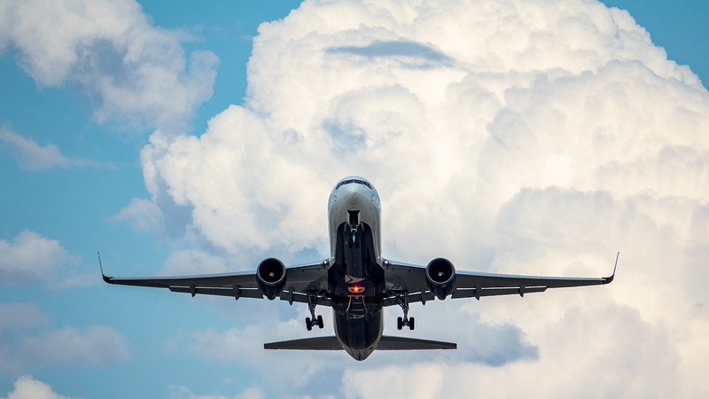 Planes - Flying, Taking-off, Landing