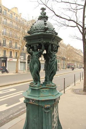 Paris Feb13 Monstres de Mode