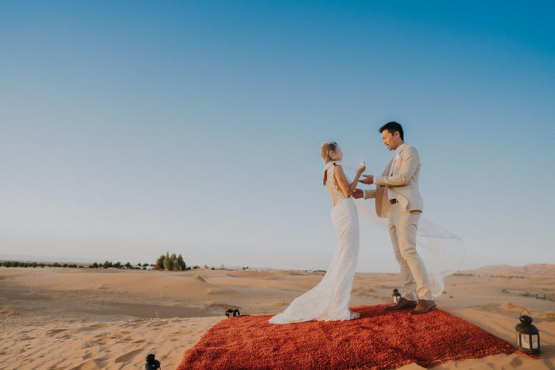 Tu-Nguyen-Destination-Wedding-Photographer-Morocco-Videographer-Sahara-Elopement-465.jpg