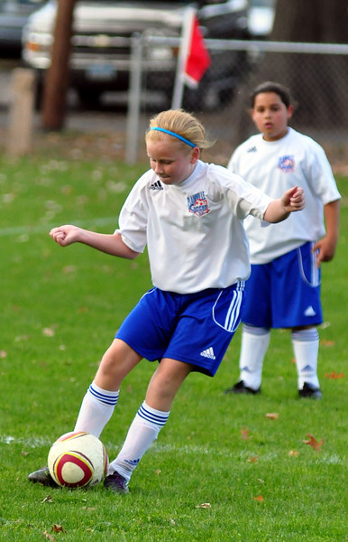 plainville u-11 girls soccer 10-17-10-021.jpg